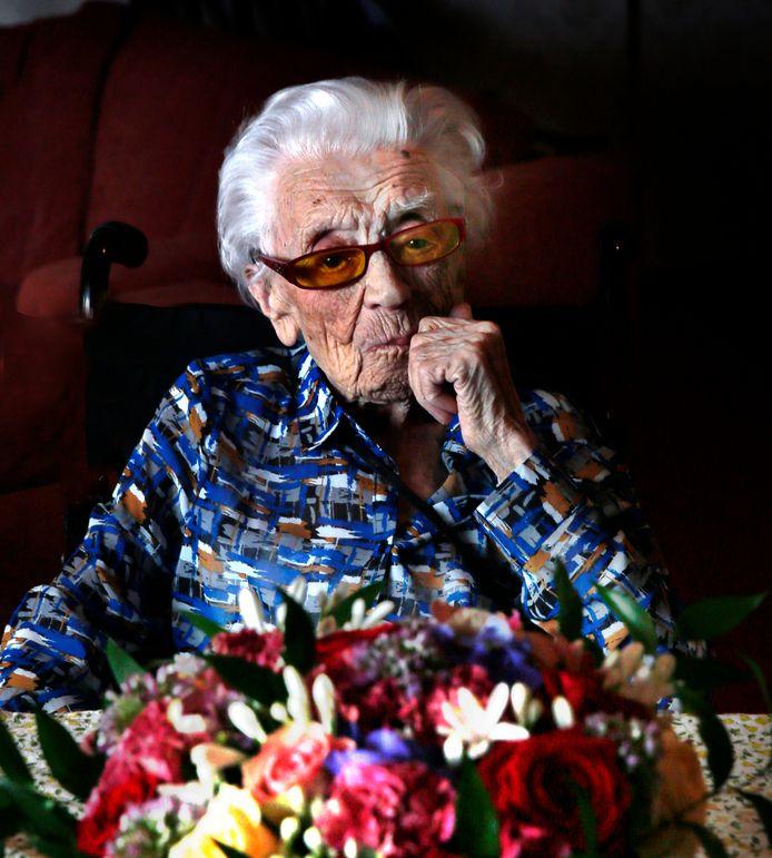 Geertje Kuijntjes tijdens haar 112e verjaardag.