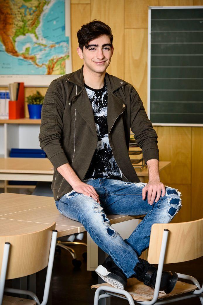 Siawaash als Ramin in de serie.