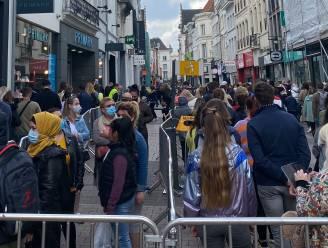 """Bijna 20.000 shoppers in Gent-centrum op drukste dag sinds het begin van de coronacrisis: """"We zijn het intussen gewend om afstand te houden"""""""
