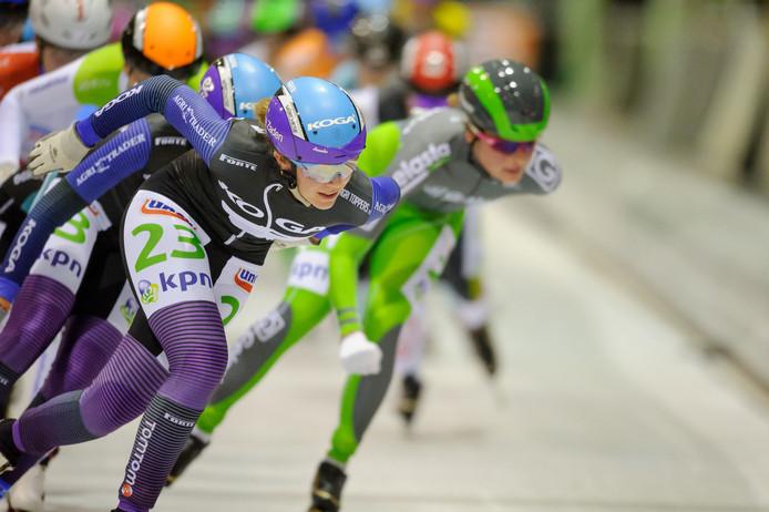 Anneke Peters (beennummer 23) stopt aan het eind van dit seizoen met marathonschaatsen.