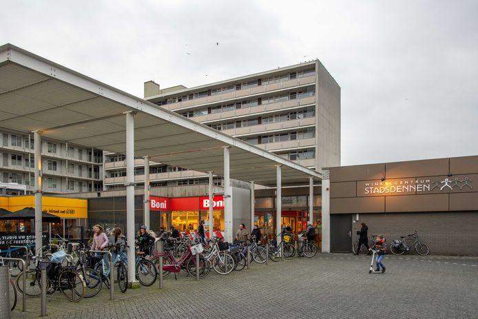 Het winkelcentrum in de wijk Stadsdennen.