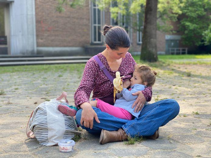Sigrid Spiesschaert et sa fille  Zoé.