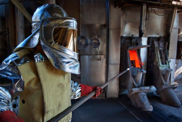 Een onderdeel van het productieproces bij Nyrstar is 'roasting', waarbij uit het zinkconcentraat zwavel wordt gehaald.