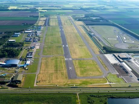Lelystad Airport ligt er al jaren verlaten bij, en dat blijft waarschijnlijk nog wel even zo
