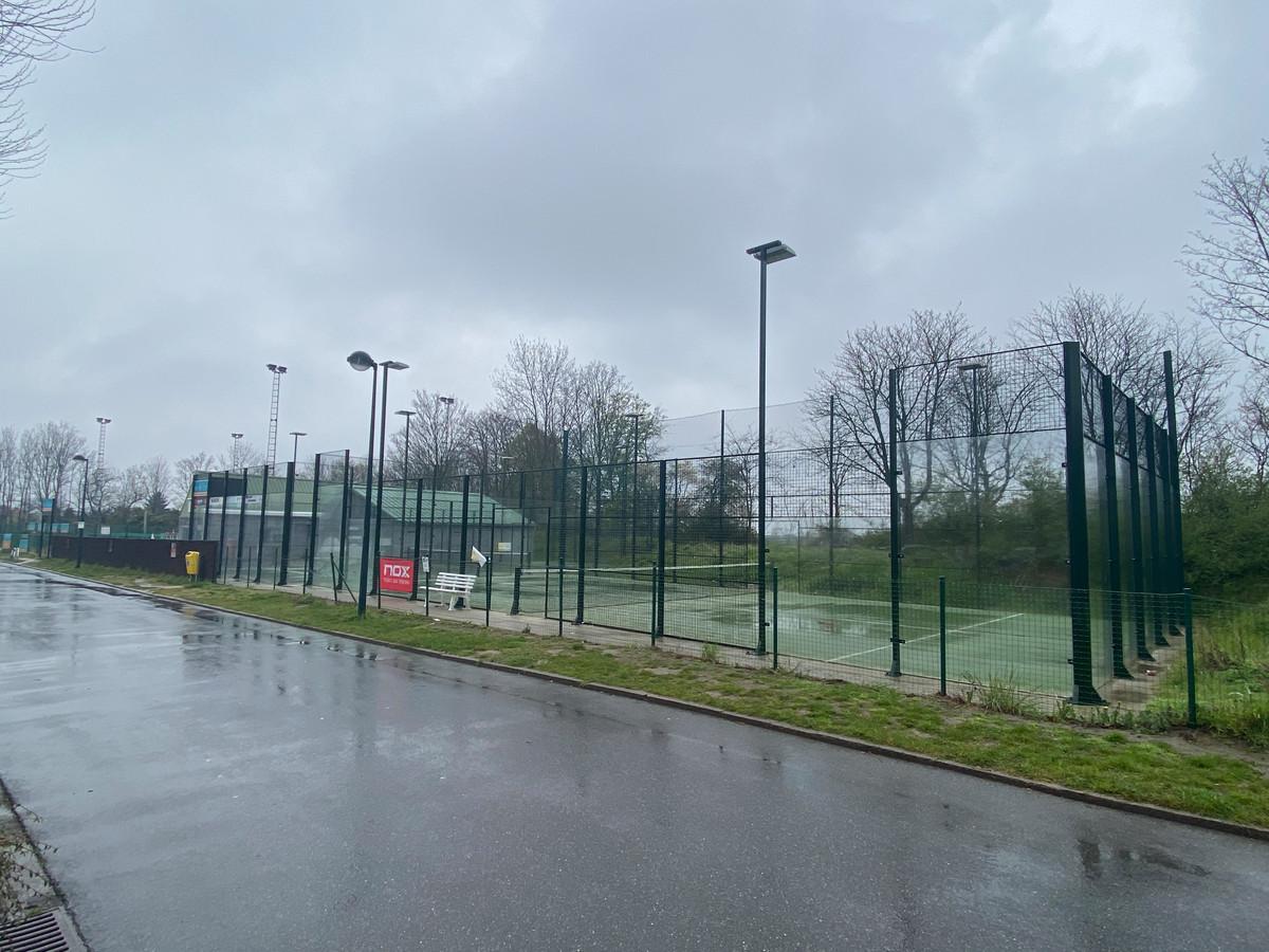 Tennis en padel mogen weer met maximaal vier personen per veld.