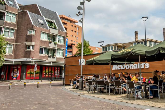 De nieuwe Burger King en de Mac: worden buren in Tilburg. 'Dat is een tactiek van Burger King'.