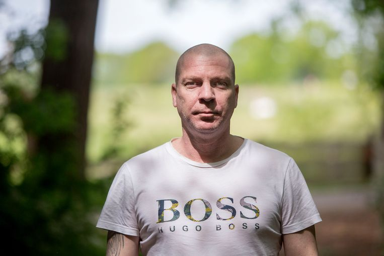 Veteraan eerste luitenant Mark Huijbregts (40) kreeg PTSS in Noord-Irak, waar hij een bedreigende gijzelingssituatie meemaakte die zijn leven ingrijpend veranderde. Beeld Arie Kievit