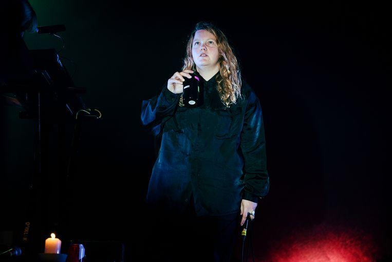 Kate Tempest in het Théâtre National (Brussel) op 25 oktober 2019. Beeld Damon De Backer
