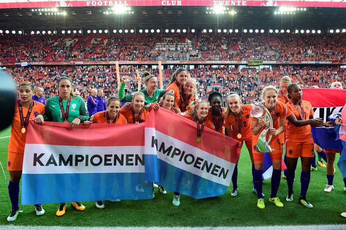 Het Nederlandse vrouwenvoetbal oogst vandaag veel positieve reacties in de buitenlandse media.