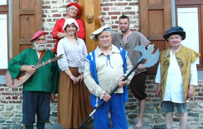 De Libertijnse Lennikse Komediantengilde uit Lennik brengt op 22 augustus 'Het Schandpaalschandaal'.