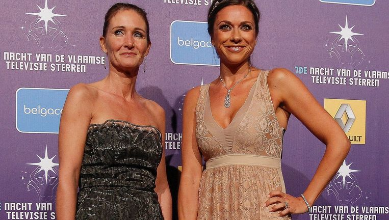 Valerie De Booser ging de trofee ophalen omdat Koen Wauters niet aanwezig was. Beeld PHOTO_NEWS