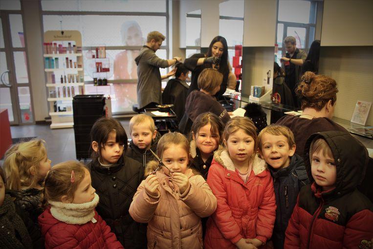 Woensdag gingen de kleuters van basisschool Windekind ook langs bij de kapper