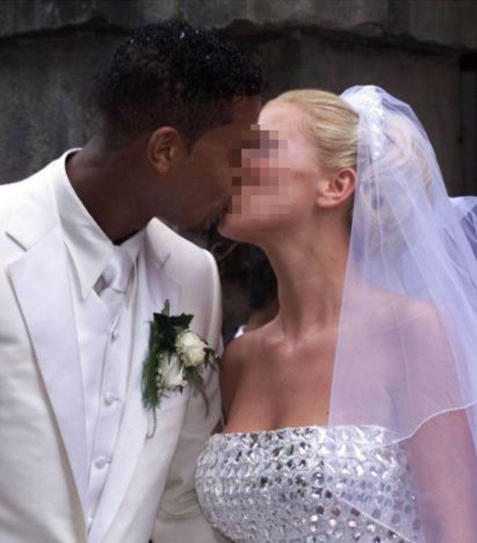 Patrick Kluivert en Angela van H. tijdens hun huwelijk in 2000.