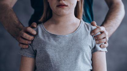 Misselijkmakende misbruikzaak in Nederland: 13-jarig meisje honderden keren verkracht door haar oom en de mannen aan wie hij haar uitleende