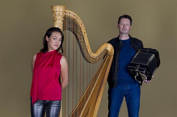 Lavinia Meijer en bandoneonist Carel Kraayenhof.