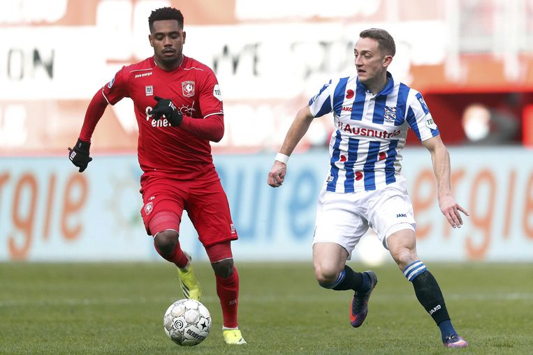 Danilo Pereira da Silva van FC Twente en Tibor Halilovic van sc Heerenveen. Beeld ANP