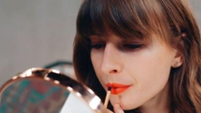 1-minuut beautytip: zo maak je elke lipstick mat