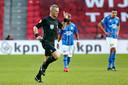 Scheidsrechter Björn Kuipers cancelt zijn beslissing om een strafschop toe te kennen aan PSV.