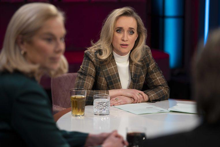 Eva Jinek tijdens een uitzending van De Strijd om de Kiezer, een gezamenlijke talkshow van Jinek en RTL Nieuws die dagelijks verslag deed van de Tweede Kamerverkiezingen. Beeld ANP