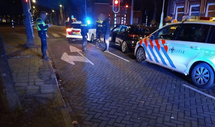 Op de Amsterdamse Hobbemakade kon de hardrijder worden klemgereden en gearresteerd.
