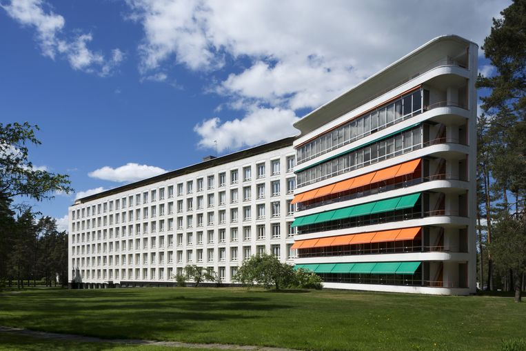 Het sanatorium im Paimio, gebouwd in 1932 voor tuberculosepatiënten. Een prachtig gebouw in de bossen, waar Aalto experimenteerde met kleur. Beeld Alvar Aalto Museum
