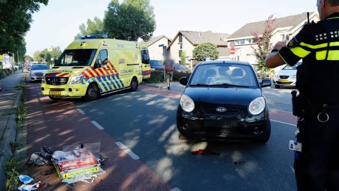 Wielrenner belandt op motorkap van auto in Ottersum