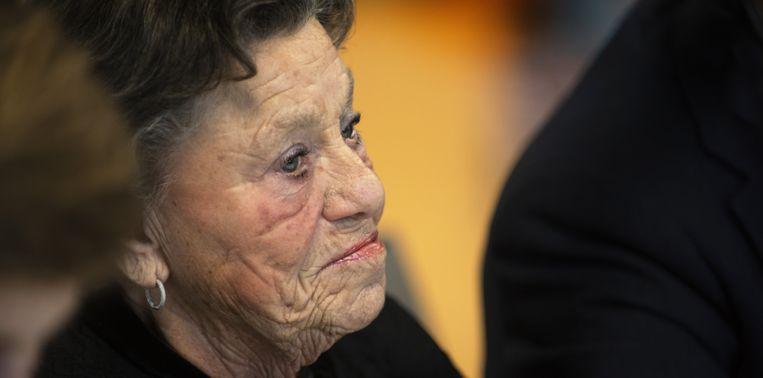 """Myrna Tugendhaft-Reens (82) overleefde een concentratiekamp: """"Vrouwen zakten uitgeput in elkaar"""""""