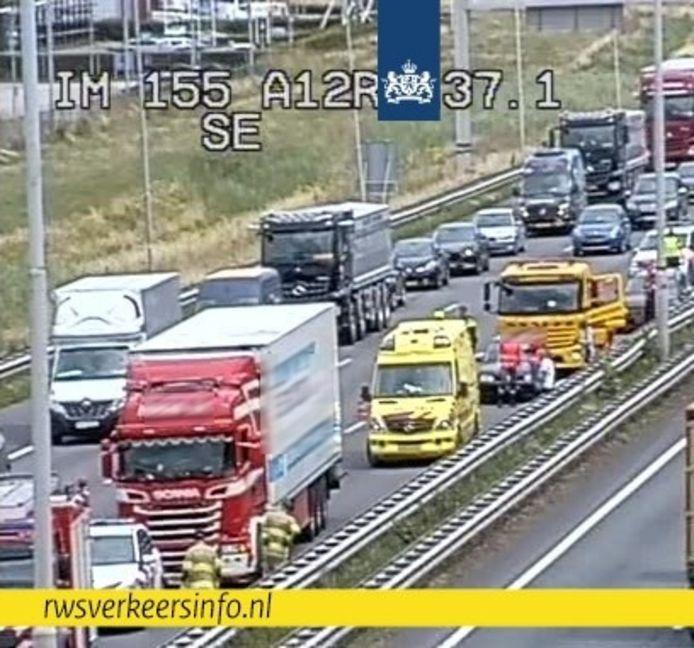 Het ongeluk op de A12 bij Duiven.