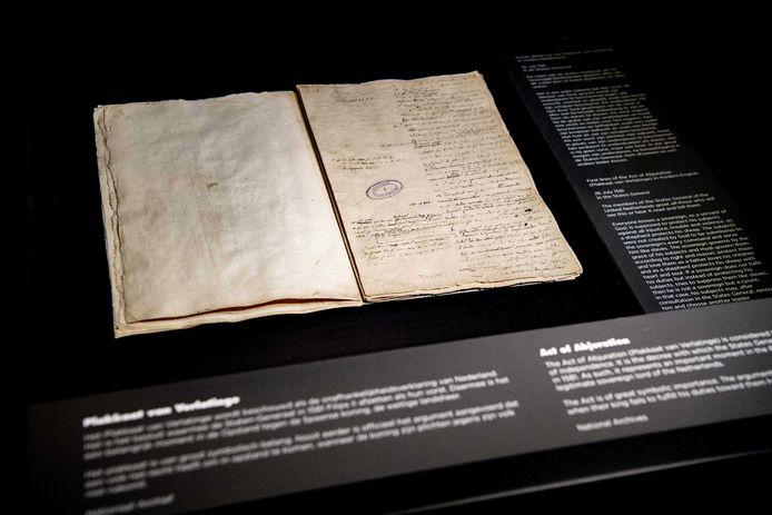 Het Plakkaat van Verlatinghe moet op een prominente plek tentoongesteld worden, vinden VVD en CDA.