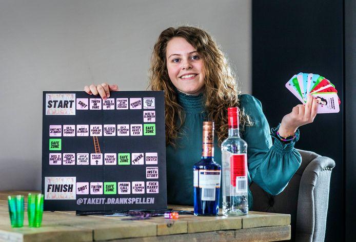 Romy Hogervorst met haar Take It Drankspellen.