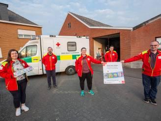 """Vrijwilligers Rode Kruis Roosdaal trappen stickerverkoop af: """"Ook dit jaar niet stilgezeten"""""""