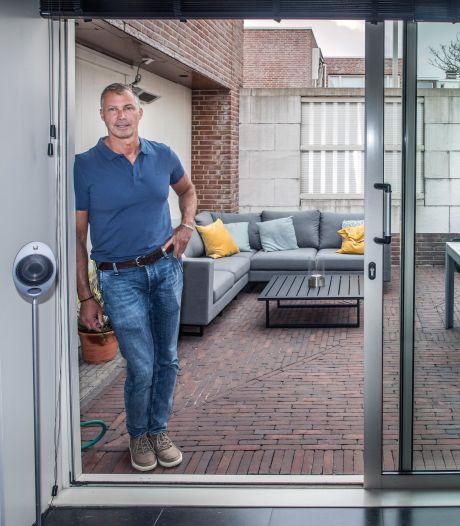 Zeventig procent Haagse tuinen betegeld: 'Mensen eisen parken in buurt, maar hebben zelf stenen tuinen'