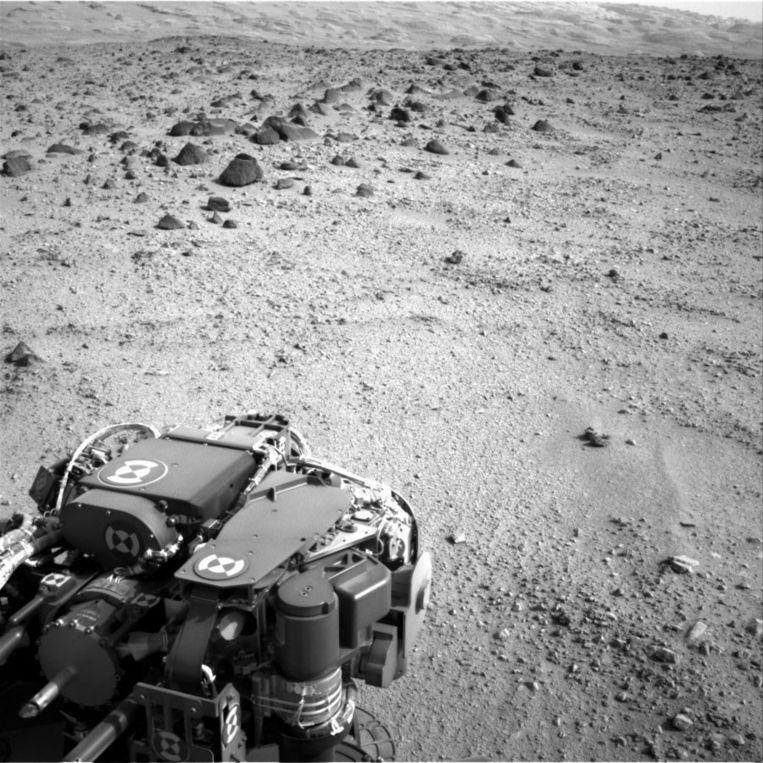 Deze foto maakte Curiosity op 12 juli. Aan de horizon is de helling van Mount Sharp te zien. Beeld epa