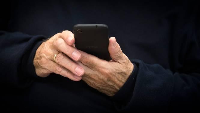 Tieners die maandenlang telefoons uit handen gristen opgepakt