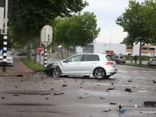 Ravage op Nijverheidsweg-Noord in Amersfoort na frontale botsing