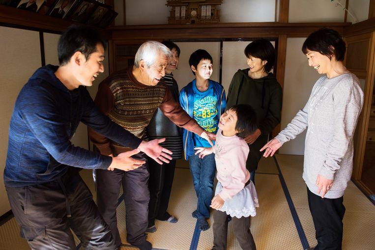 De familie Igari keerde als een van de weinige gezinnen wel terug naar Naraha.