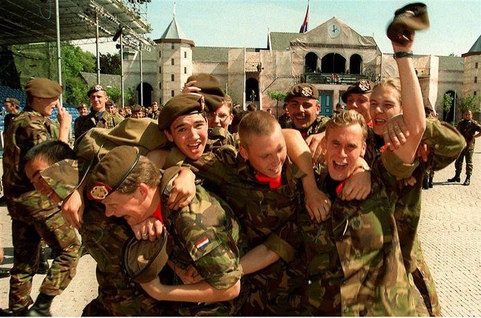 25 jaar geleden, op 22 augustus 1996, kwam er een einde aan de dienstplicht. Dat werd onder meer in Breda door de laatste dienstplichtigen uitbundig gevierd.