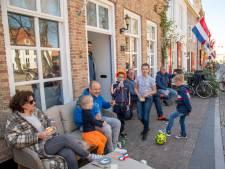 Inwoners Harderwijk laten zich niet afschepen met uitgeklede Koningsdag: 'Maar de ziel is uit de stad'