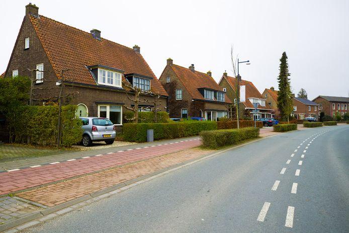 De Koningin Wilhelminaweg in Zaltbommel, ter hoogte van het huis waar de Joodse familie Drievoet woonde.