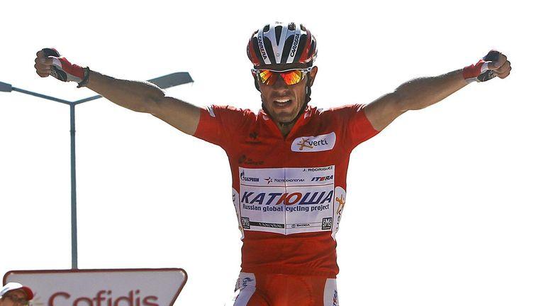 De 35-jarige Rodriguez mag in de Tour volledig zijn ding doen en mikt met zijn explosieve benen op ritzeges. Beeld EPA