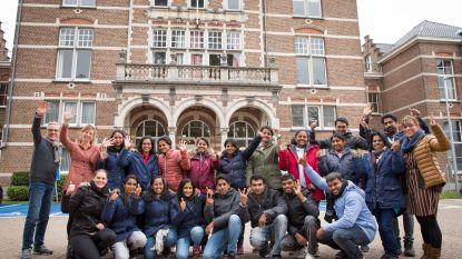 HIVSET stoomt 17 Indiërs klaar tot verpleegkundigen