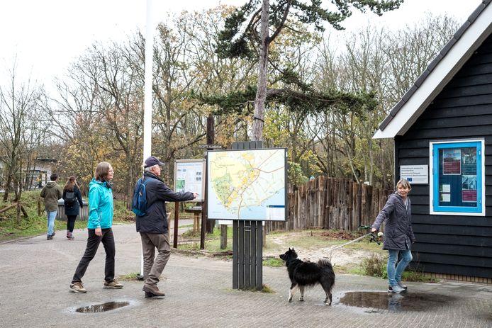 Onder meer over het ontstaan de Boswachterij Westerschouwen wordt geschreven in 'Verhaallijnen van Schouwen-Duiveland'.