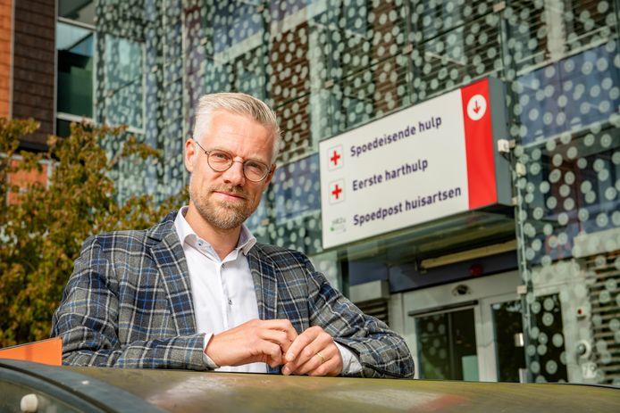Arne Bouma voor Gelre ziekenhuizen Zutphen. De zorgeconoom uit Zutphen sloot zich recent aan bij de Coördinatiegroep Red het Gelre'.