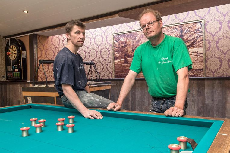 Christof Vande Vyvere en Johan Laridon in hun Café De Groene Dreve.