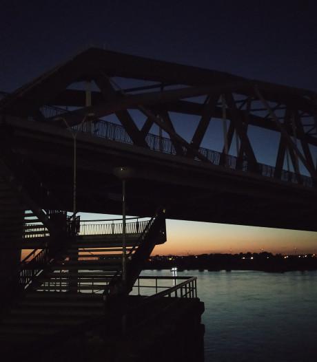 Donkere straten in regio's Nijmegen en Arnhem 'door technische miscommunicatie'
