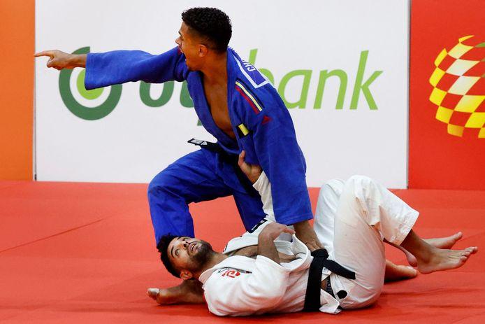 Sami Chouchi (in het blauw), hier nog in zijn eerdere wedstrijd tegen Sagi Muki.