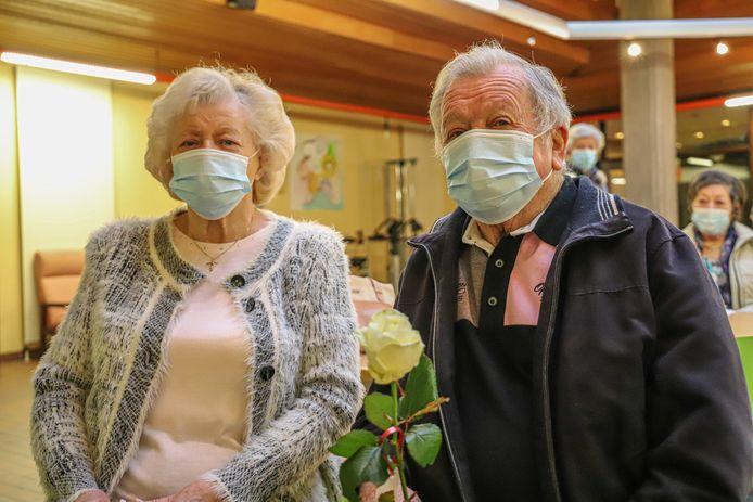 Gabriël Camermans en Louis Theunis kregen hun vaccin tegen COVID-19.
