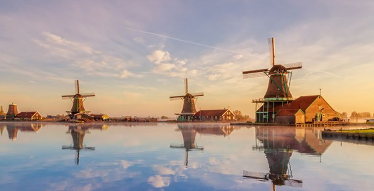 These 3 windmills actually have names - from left to right: the young sheep (a sawmill), the seeker (an oilmill), the cat (a dyemill). Beeld Getty Images