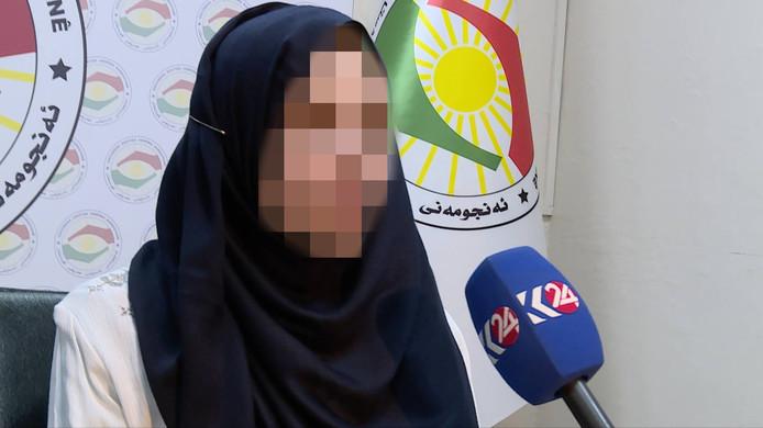 Laura H. tijdens een interview voor de Koerdische tv net na haar ontsnapping uit IS-gebied.