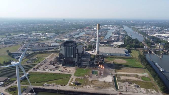 Harde knallen en wollige stofwolken: deel van Nijmeegse energiecentrale tegen de vlakte
